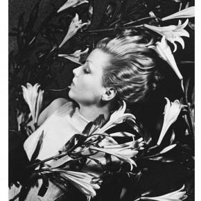 Ilse Bing in perfume advertisement
