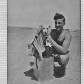 Jim Moody gives Horrie a bath