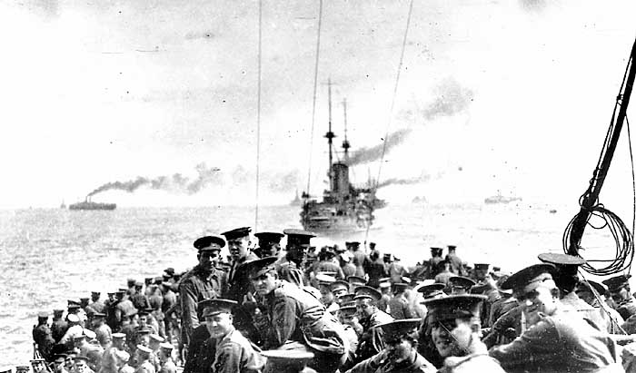 Men of the 11th Battalion and 1st Field Company, Australian Engineers, assembled on the forecastle of HMS London at sea off Lemnos, 24 April 1915. The next morning they would leave the London to land on North Beach, Gallipoli. [AWM A02468]