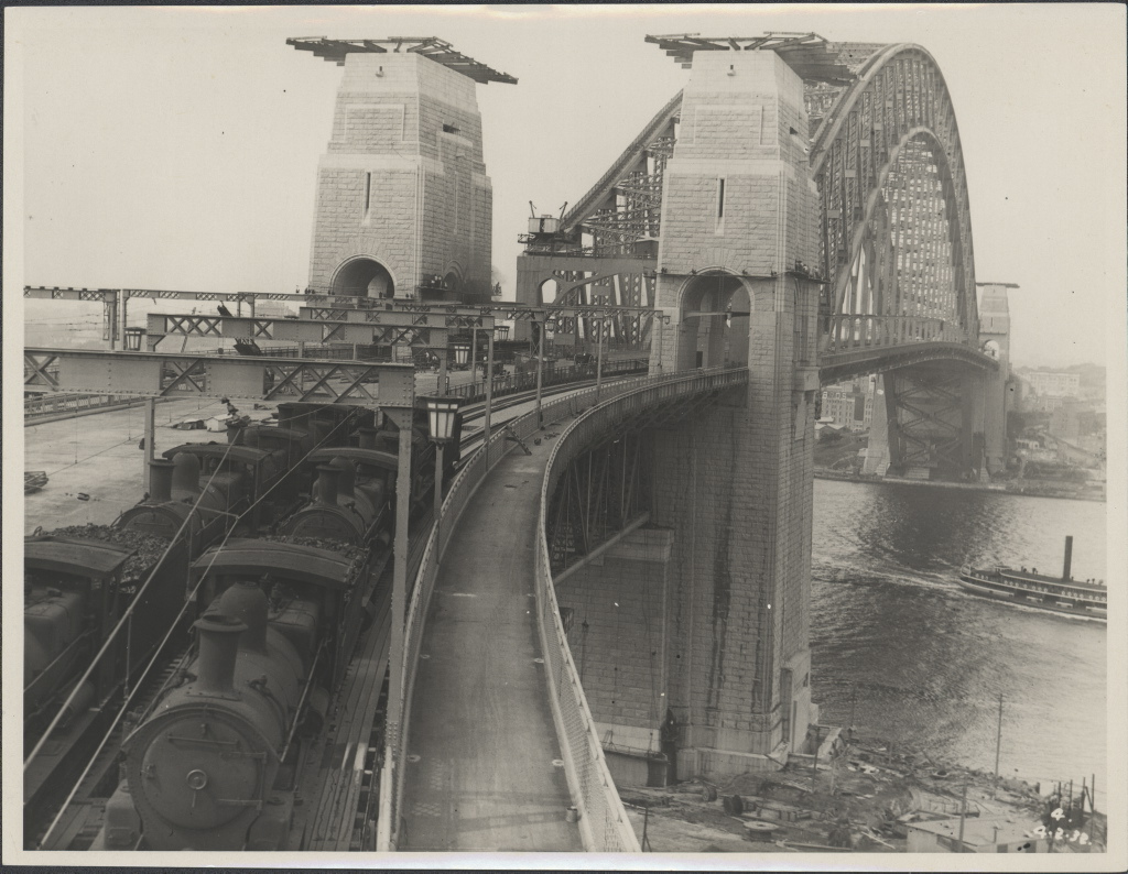 rains on the Sydney Harbour Bridge,1932 Courtesy of the Powerhouse Museum