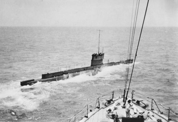 AE1 as seen from the deck of HMAS Encounter. Courtesy AWM, ID A02604.