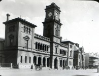 Goulburn Post Office and Town Hall, undated. Courtesy RAHS Frank Walker Glass Slide Collection.