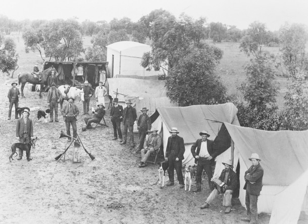 Soldier settlers living in tents. Courtesy PROV, VPRS 14517 P1 Unit 34 L533.