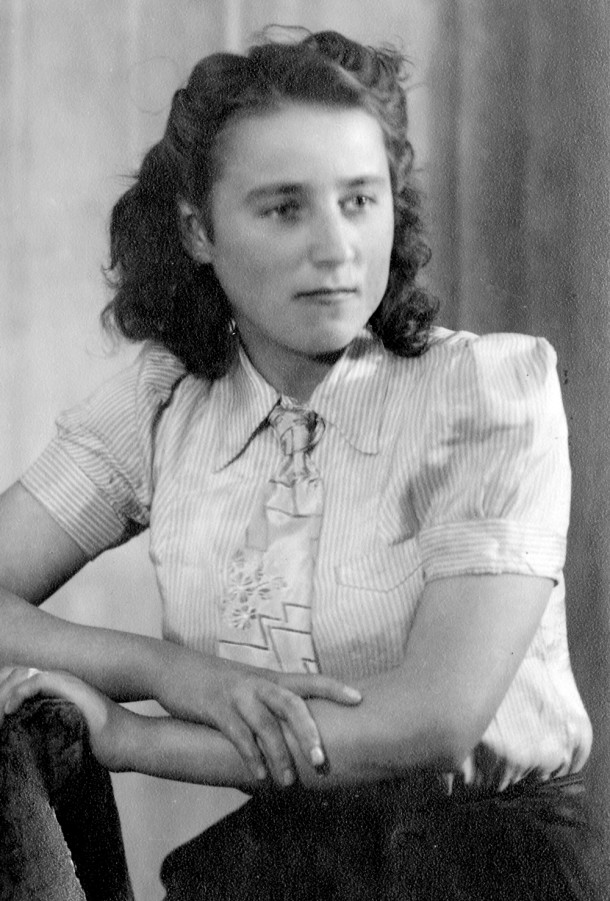 Olena Jakymiw pictured in 1945.