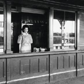 Cootamundra railway refreshment kiosk, 1948